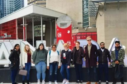 see sights of Toronto walking tour